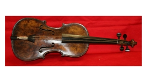 Britain Titanic Violin